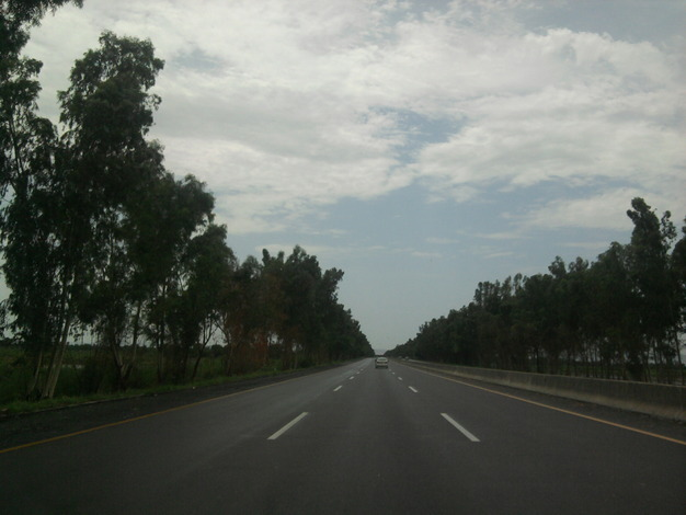 Fast Pics of Lahore Motorway and extras (Islamabad)