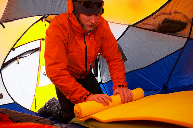 Do You Need Thermal Gloves When Camping?